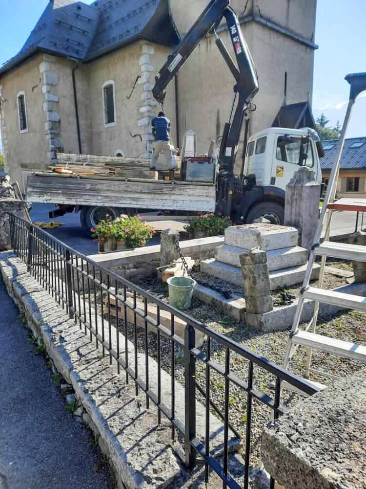 démontage du monuments aux morts de La Frasse